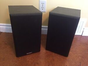 Paradigm Titan V1 bookshelf speakers