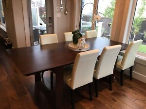 F2 Furnishings Dining Table (Extension) with Chairs