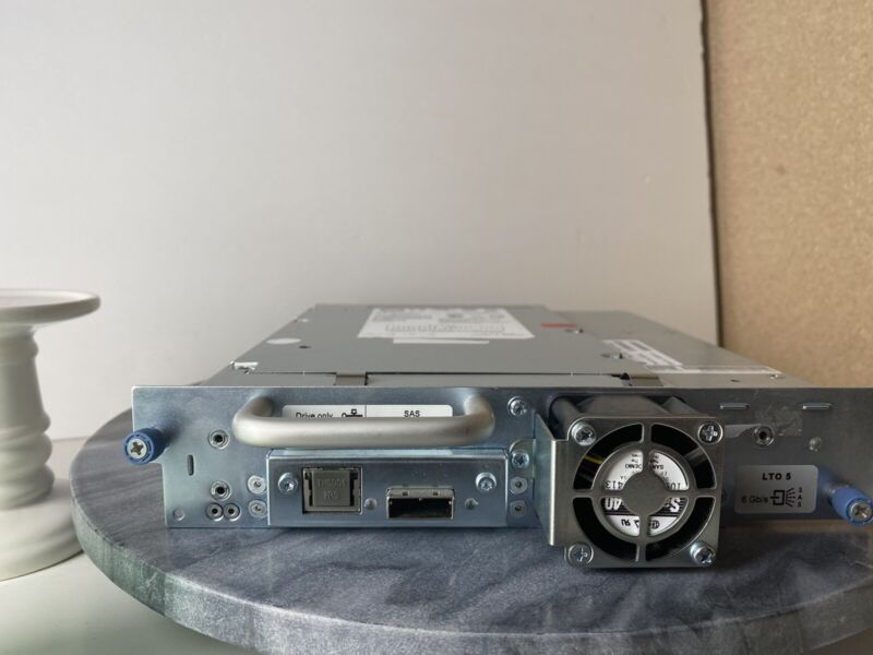 HP LTO5 HH SAS TAPE DRIVE MODULE (Works perfect) Will Consider Offers.