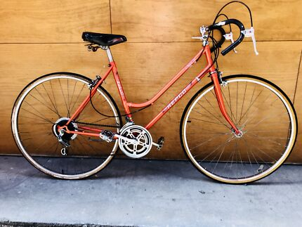 City lady vintage classic style bike perfect condition + safe U lock
