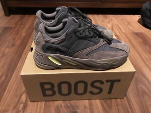 5a061372d045b5 Yeezy mauve size 10 STEAL PRICE