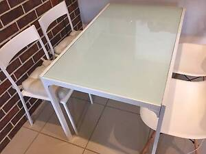 Dining table and chair for 4 Bomaderry Nowra-Bomaderry Preview