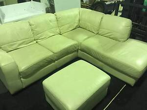Cream Leather Lounge in Good Condition Ashmore Gold Coast City Preview