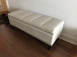 Almost New Large Bench/storage  Ottoman