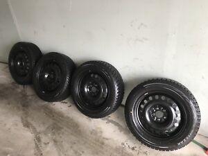 215/60R17 96T Bridgestone Blizzak WS80 Winter Tires/Rims