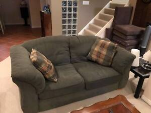 Super comfy couch. Dofa and lloveseat