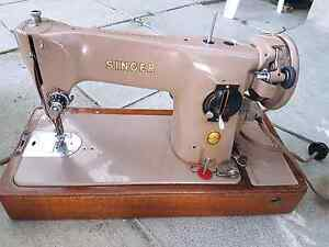 Vintage Singer sewing machine Bundoora Banyule Area Preview