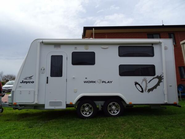 Jayco Work n Play 14.44 Jayco Work n Play Caravan is