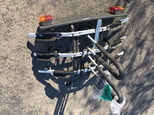 Thule 3 bike rack with electronic hook up