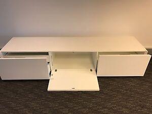 2 white entertainment units Cronulla Sutherland Area Preview
