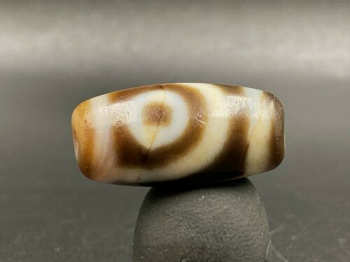 Old Ancient Himalayan two eyes Dzi Gzi bead from Himalaya Tibet