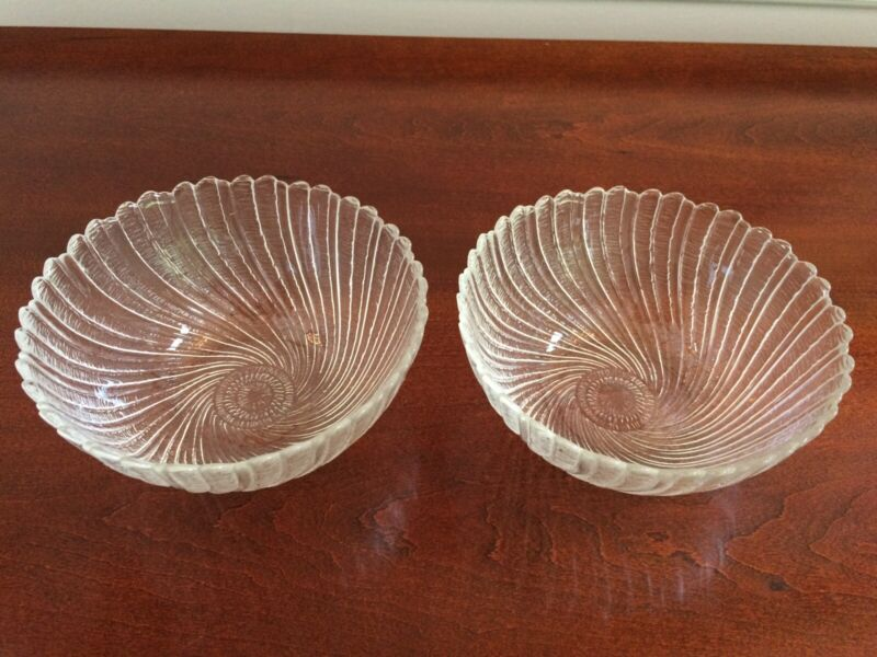 VINTAGE RIBBED GLASS SWIRL DESSERT BERRY BOWLS - SET OF 2