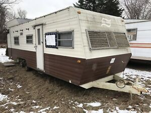 Vintage 28' camper trailer hunt storage fishing travel