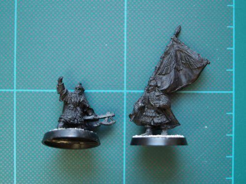 Dwarf Captain and Banner - Games Workshop Warhammer LOTR metal miniatures