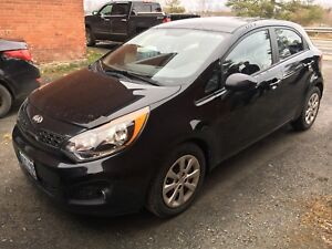 Amazing 2013 Kia Rio 5  *still under warranty!