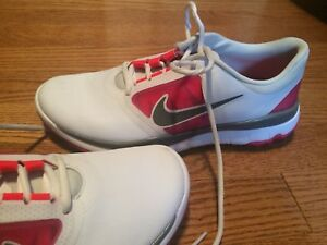Soulier golf Nike femme (9)