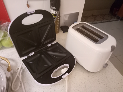 Toaster and sandwich maker both $10