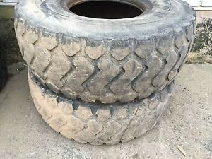 2 Michelin 20.5r X 25 loader tires