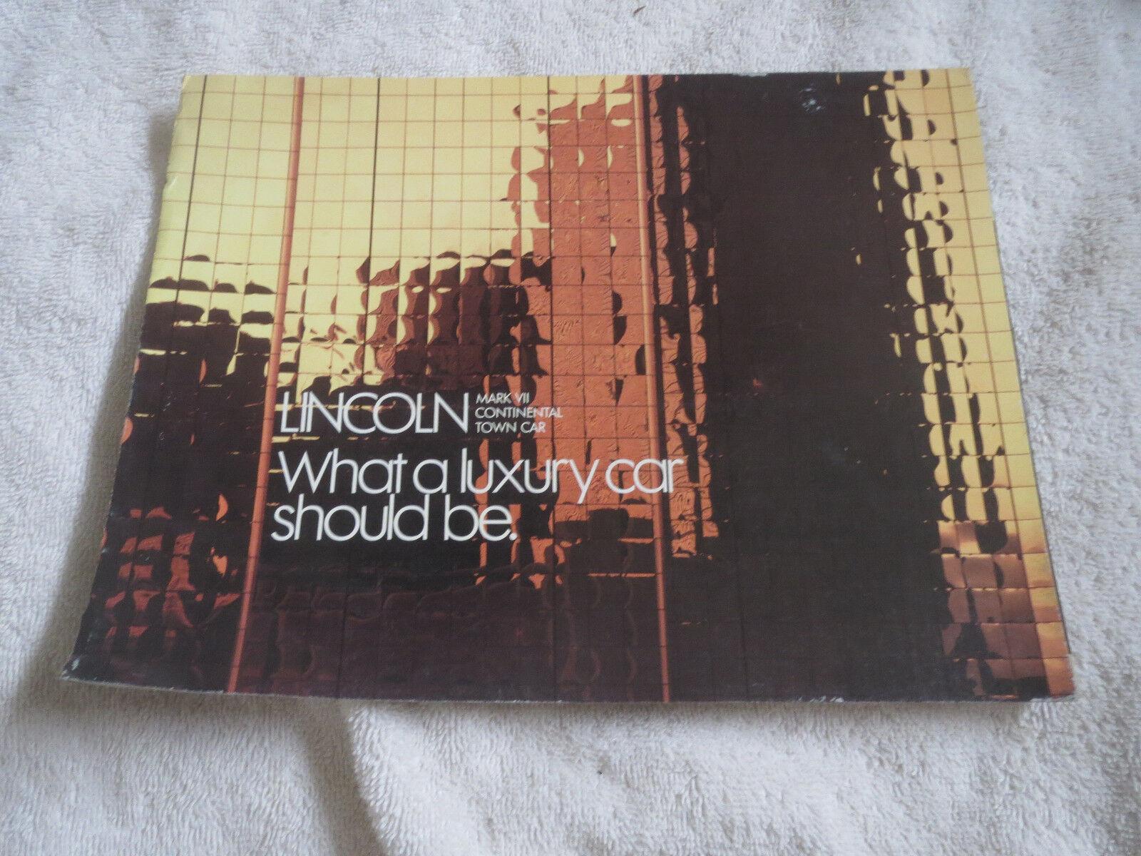 1987 LINCOLN CONTINENTAL TOWN CAR MARK VII ORIGINAL DEALER SALES BROCHURE