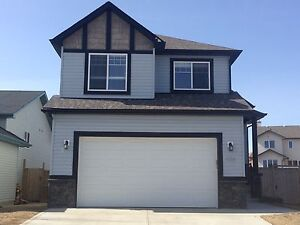 Modern, Newer 2 bed basement Suite!! All Utilities Included!!
