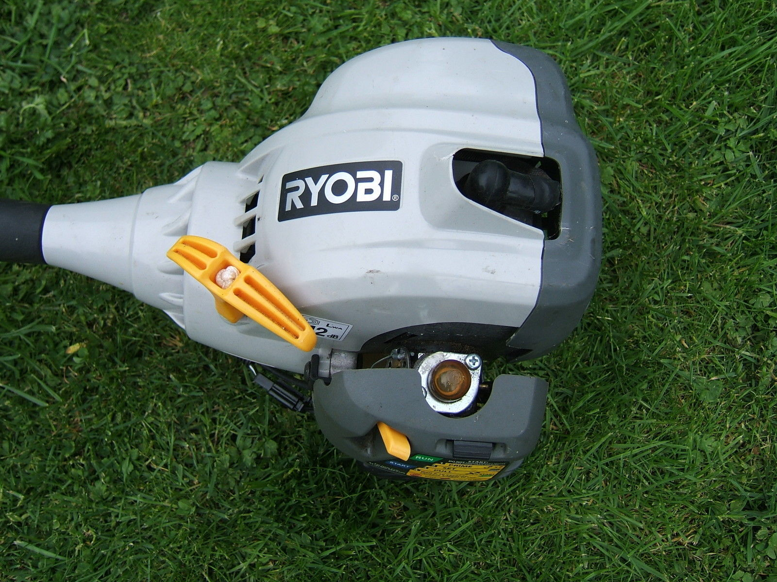 ryobi gas weed wacker. how to replace the primer bulb on a ryobi weed eater gas wacker r