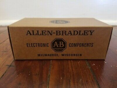 Nos Lot Of Allen Bradley 300 Ohm 14w 5 Carbon Fixed Resistors