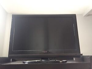 """32"""" insignia tv. Does not power on"""