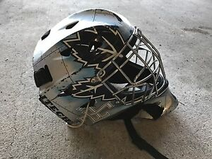 Youth Toronto Maple Leafs goalie mask