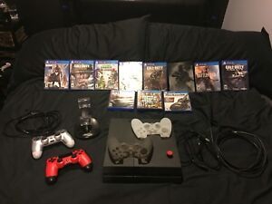 Ps4, 2 controllers, 12 games and a few ps4 accessories