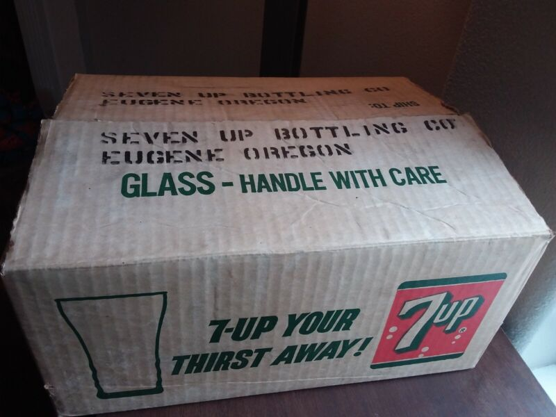 1950s 7-Up Soda Fountain Style Crystal Glasses, 12, Original Manufacturer