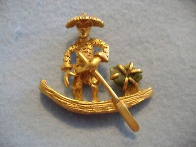 VINTAGE BSK SIGNED GOLD TONED PIN BROOCH-MAN IN ORIENTAL BOAT WITH JADE](Man In Oriental Costume)
