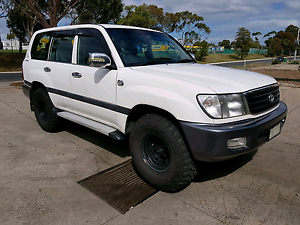 Toyota landcruiser 100 series 4.2 turbo diesel automatic Tullamarine Hume Area Preview