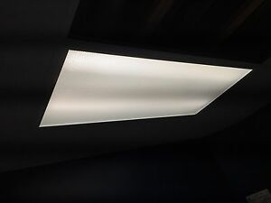 Flourescent fixtures for suspended ceiling