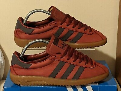 Adidas Bermuda used trainers size 8 '17 release with OG box, originals