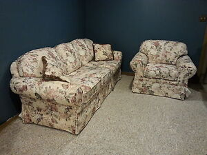 COUCH AND CHAIR LIKE NEW