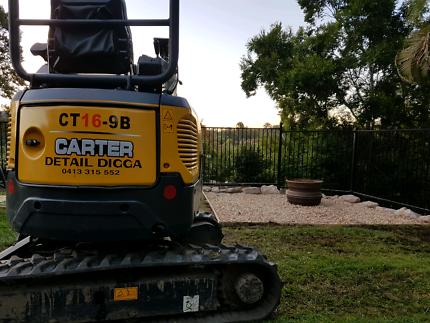 Dry hire mini excavator