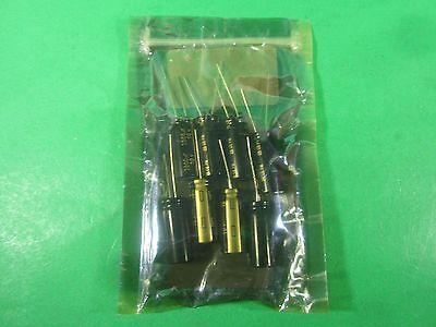 Panasonic Capacitor 3900 Uf -- Eeu-fm1a392l -- Lot Of 8 New
