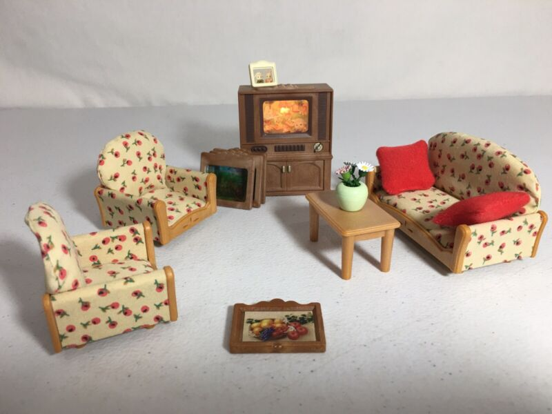 Calico critters/sylvanian families Living Room Furniture W Lighted TV
