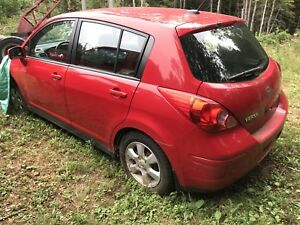 2009 Nissan versa hatchback for parts