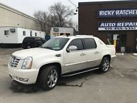 2011 CADILLAC ESCALADE EXT LUXURY AWD    $17995 CERTIFIED London Ontario Preview