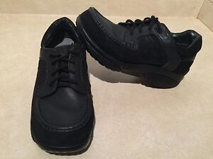 Women's Stretch Walker Shoes Size 11.5 London Ontario image 2