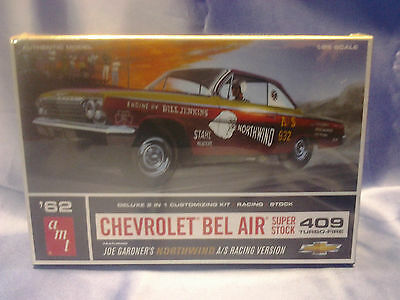 AMT CHEVROLET 1962 BEL AIR SUPER STOCK 409 TURBO-FIRE PLASTIC MODEL CAR KIT