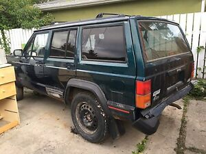 2 jeep Cherokee xj to fix or for parts