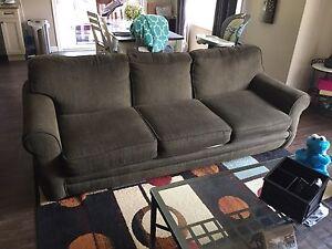 Green couch w/ pullout bed