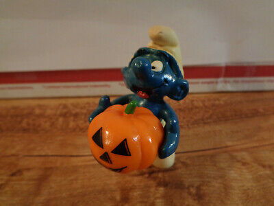 VINTAGE 1981 PEYO Schleich Halloween Pumpkin Smurf PVC Figure Hong Kong (d2)](Halloween 2 1981 Pumpkin)