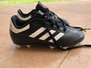 4b191de1a Boys junior kids Adidas soccer football boots size 13