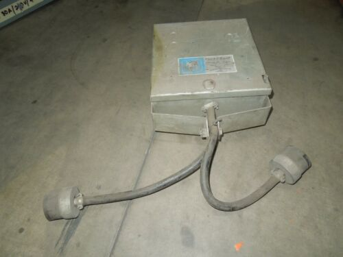 Ite Trol-e-duct T33104 30a 3ph 3w 600v Fusible Cover Operated Bus Plug Used