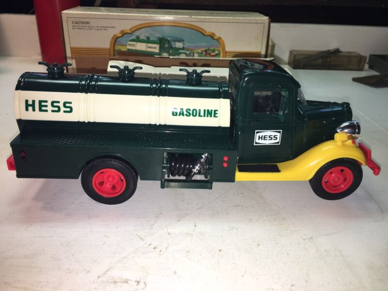 1982-83 Hess TRUCK Gasoline Lights Work OB W/Inserts Never Used Close To Mint!