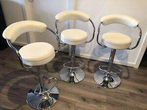 3x gas lift bar stools