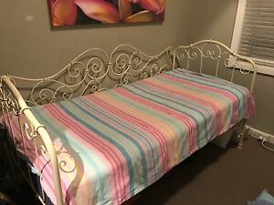 Wrought Iron Day bed - Single Grange Charles Sturt Area Preview